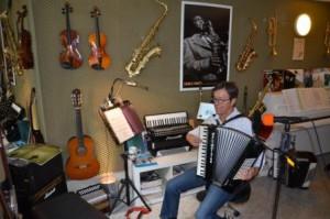 MUSIKUNTERRICHT FÜR ERWACHSENE musikunterricht fÜr erwachsene Unterricht für Erwachene Musikunterricht Muenster musikunterricht in muenster privater musikunterricht muenster4d 300x199