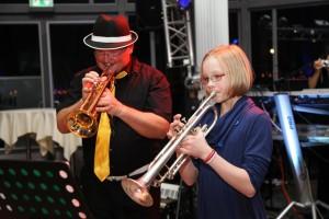MUSIKUNTERRICHT FÜR JUGENDLICHE  Unterricht für Jugentliche a News 2015 Trompetenunterricht Muenster Trompete lernen Muenster Trompete Trompetenschule NRW Westf Jan1 300x200